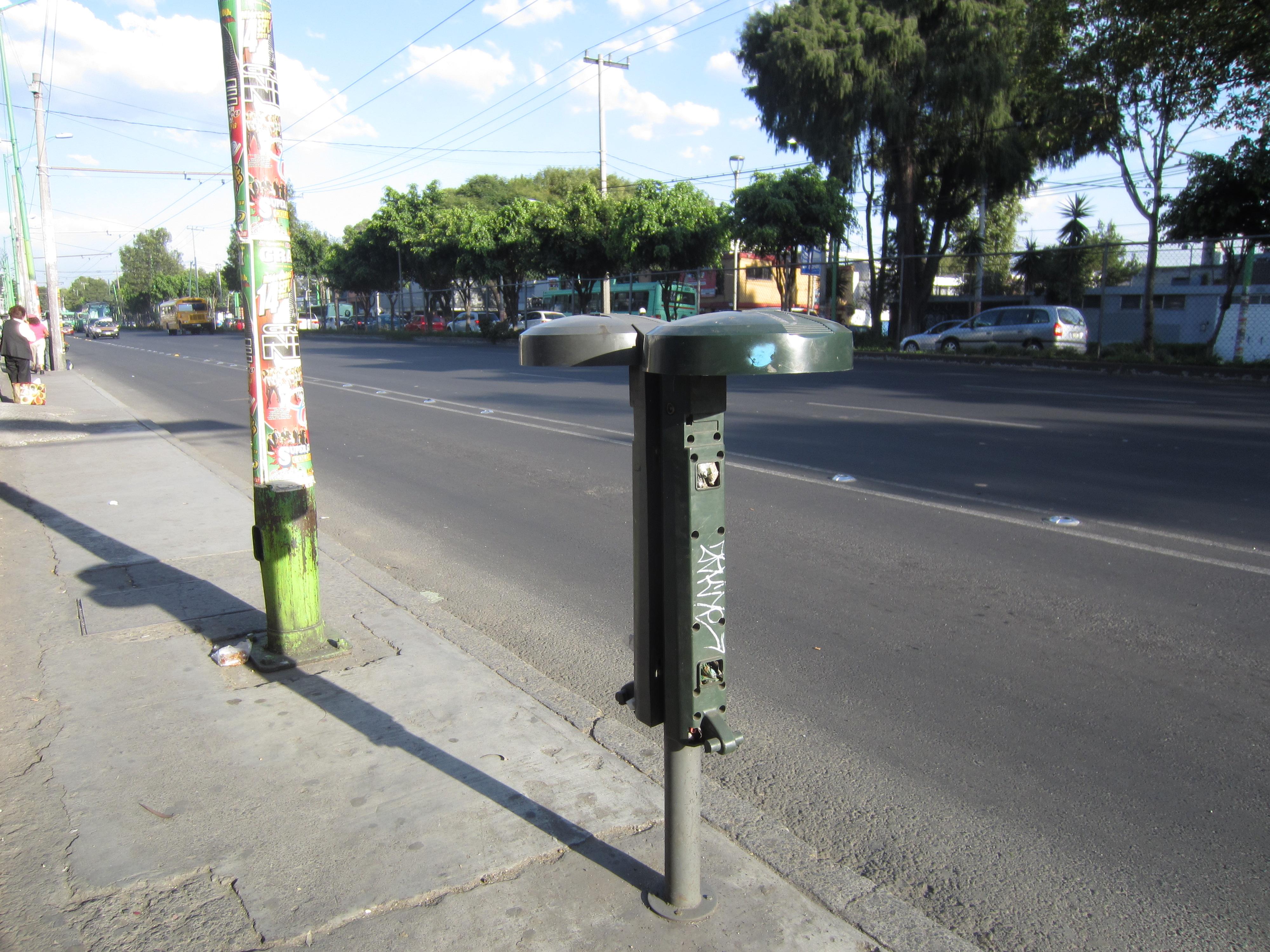Breve Taxonom A Del Mobiliario Urbano Pedestre