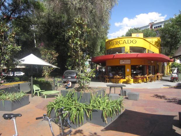 Parque de bolsillo en la Colonia Condesa. Imagen: Rodrigo Díaz